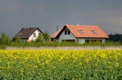 Nieuw huis in het land Stock Afbeelding