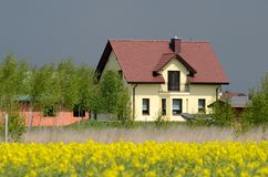 Nieuw huis in het land Royalty-vrije Stock Foto