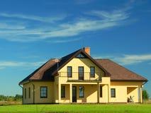 Nieuw huis (landschap) stock afbeeldingen