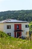 Nieuw huis met zonnetechnologie Royalty-vrije Stock Afbeeldingen
