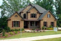 Nieuw Huis voor Verkoop Royalty-vrije Stock Foto's