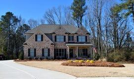 Nieuw huis, Watkinsville, Georgië met oprijlaan Stock Afbeelding