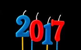 Nieuw jaar 2017 - de kaarsen van de Alfabetverjaardag in 2017 Stock Fotografie