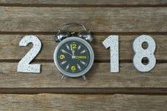 Nieuw jaar 2018 met klokbereik 12 00 klok medio nacht Stock Afbeeldingen