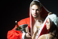 Nieuw jaar sensueel paar met wijn Royalty-vrije Stock Foto