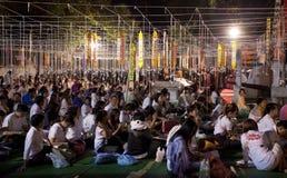 Nieuw jaarfestival, de Boeddhistische kaarsen van de monniksbrand aan t Royalty-vrije Stock Foto's