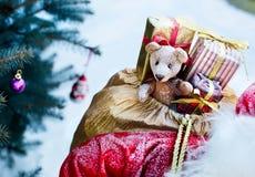 Nieuw jaarspeelgoed voor een gift Stock Foto's