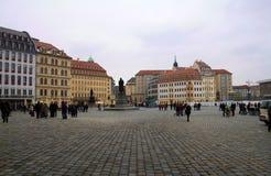 Nieuw Marktvierkant, Dresden, Duitsland Panorama van het vierkant met stock afbeelding