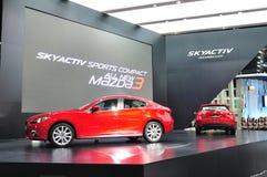 Nieuw Mazda 3 op vertoning Stock Afbeeldingen
