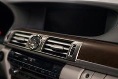 Nieuw modern autodashboard royalty-vrije stock foto