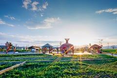 Nieuw platteland van Panzhihua, China in de zonsondergang royalty-vrije stock foto's
