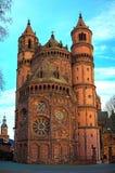 Nieuw-Romaanse Kathedraal Stock Foto's