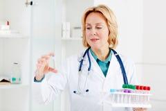 Nieuw vaccin stock foto's