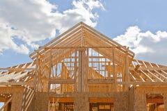 Nieuw woonbouwhuis frame Stock Foto
