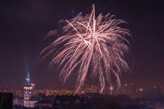 Nieuw Year's-Vooravondvuurwerk in bielsko-Biala, Polen royalty-vrije stock afbeelding