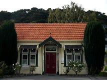 Nieuw Zeeland: Bibliotheek van de Akaroa de historische 19de eeuw stock fotografie