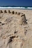 Nieuw Zeeland: de zandkastelen van het de zomerstrand Stock Foto