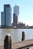 Nieuwe马斯和Kop van Zuid,鹿特丹,荷兰 免版税图库摄影