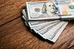 Nieuwe 100 Amerikaanse dollars 2013 uitgavenbankbiljetten (rekeningen) Stock Fotografie