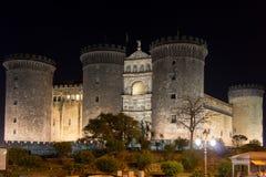Nieuwe angioino van kasteelmaschio in Napels, Italië stock afbeeldingen