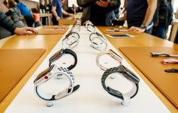Nieuwe Apple-Horlogereeks 3 op een rij digitale kroon Royalty-vrije Stock Afbeeldingen