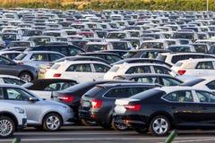 Nieuwe auto's voor verkoop royalty-vrije stock foto's