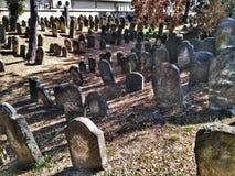 Nieuwe Bijov, Tsjechische Republiek - 06 Augustus, 2018: Joodse begraafplaats van de 15de eeuw Het oudst in de Tsjechische Republ Royalty-vrije Stock Foto