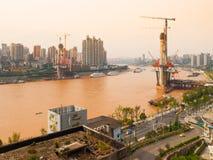Nieuwe brugbouw royalty-vrije stock foto's