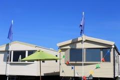 Nieuwe caravans op aanhangwagenpark Stock Foto's