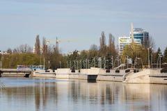Nieuwe dijk in Kaliningrad Stock Afbeelding