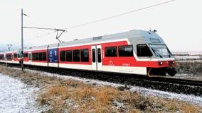 Nieuwe elektrische die trein in Hoge Tatras wordt geplaatst Stock Afbeeldingen