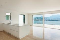 Nieuwe flat, moderne keuken royalty-vrije stock foto