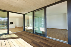 Nieuwe flat, veranda stock fotografie