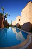 Nieuwe gebouwen in Marrakech stock afbeeldingen