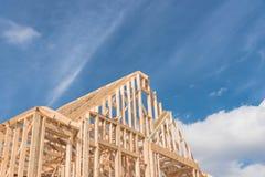Nieuwe het close-up bouwt de houten bundel van het geveltoppendak, post, straalframewor royalty-vrije stock foto
