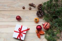 Nieuwe het jaargiften Kerstmis van de achtergrondkerstboomvakantie royalty-vrije stock foto's