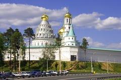 Nieuwe het kloosterwatchtower versterkte muur van Jeruzalem van Orthodoxy Heilige plaats Stock Foto's