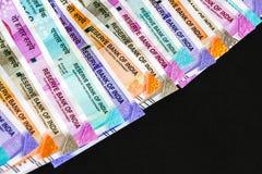 Nieuwe Indiër 50, 100, 200, 500, 2000 Roepiesbankbiljetten De kleurrijke Ñ  achtergrond van het asgeld