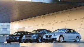 Nieuwe inzameling van krachtig BMW 535 commerciële en familieklassen Stock Foto