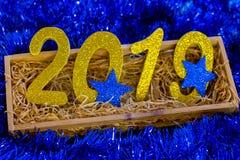 Nieuwe jaaraantallen tegen 2019 Nieuwe jaar en Kerstmis royalty-vrije stock foto's