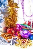 Nieuwe jaarachtergrond met kleurrijke decoratie Royalty-vrije Stock Foto's
