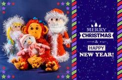 Nieuwe jaaruitnodiging Vader Frost, Sneeuwmeisje en sneeuwman naast een aap, een symbool 2016 Met de hand gemaakt, exclusief Royalty-vrije Stock Foto's