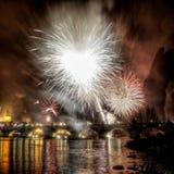 Nieuwe jaren fireshow in Praag royalty-vrije stock foto
