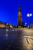Nieuwe Kerk (nueva iglesia) en cerámica de Delft por noche Fotos de archivo libres de regalías