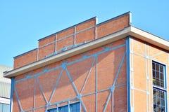 Nieuwe kracht gegeven baksteengebouwen royalty-vrije stock afbeelding