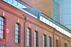 Nieuwe kracht gegeven baksteengebouwen royalty-vrije stock foto's