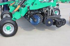 Nieuwe landbouwmachines bij Stock Foto
