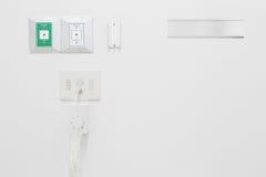 Nieuwe lege zuurstof en vacuümpijpleidingen in het ziekenhuis stock foto