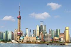 Nieuwe lujiazui van Shanghai de dijk Royalty-vrije Stock Afbeeldingen