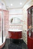 Nieuwe luxebadkamers Royalty-vrije Stock Afbeeldingen